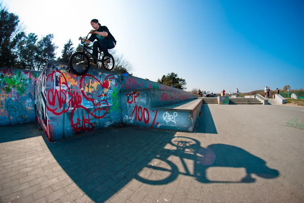 bmx, skatepark, murek, wall, drop, Rafał Pieśniak, fisheye, cień, shadow