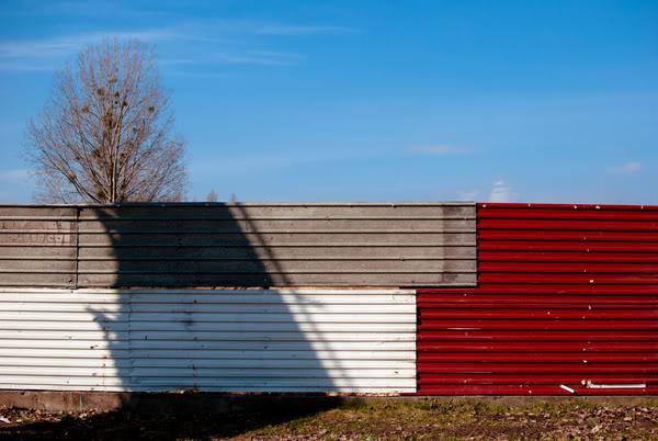 Przymorze; primore; płot; fence; cień; shadow