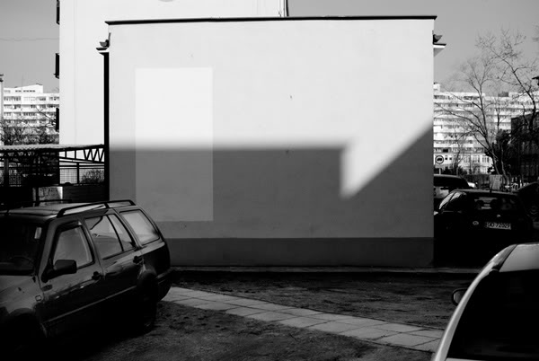 Przymorze; primore; cień; shadow; ściana; wall