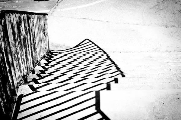 zaspa; wiadukt; schody; stairs; cień; shadow