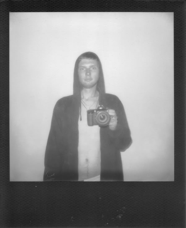 Ja; Polaroid