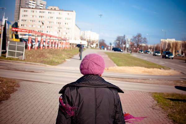 przymorze; primore; staruszka; old lady; szalik; scarf