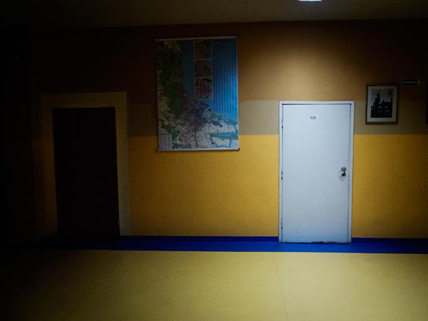 Drzwi door; Światło; light; korytarz; corridor