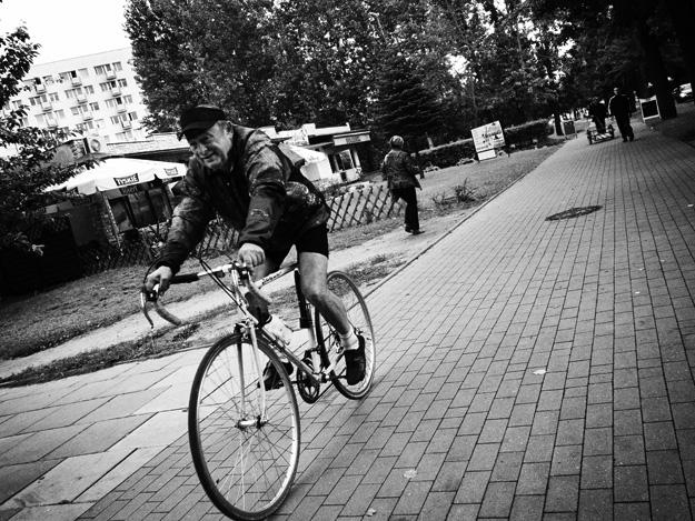 Rowerzysta; kolarz; cyclist; Ulica; street