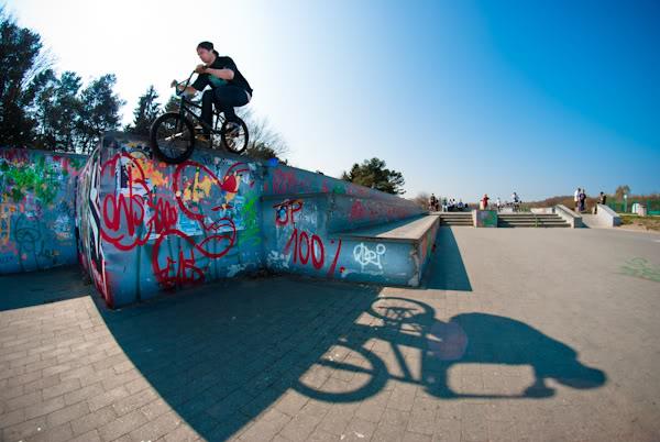 bmx, skatepark, murek, wall, drop, Rafał Pieśniak, fisheye, cień, shadow
