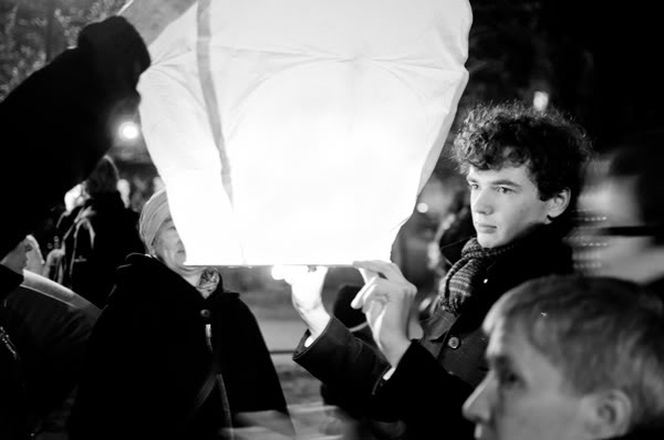 gdańsk, noc, night, ludzie, people, latarnie, lampiony, lanterns
