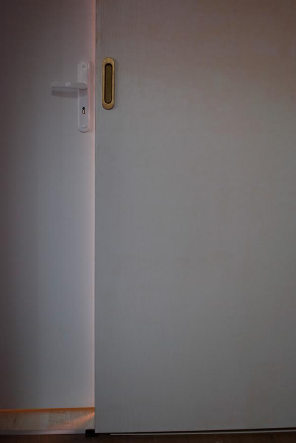 drzwi; door; światło; light; studio