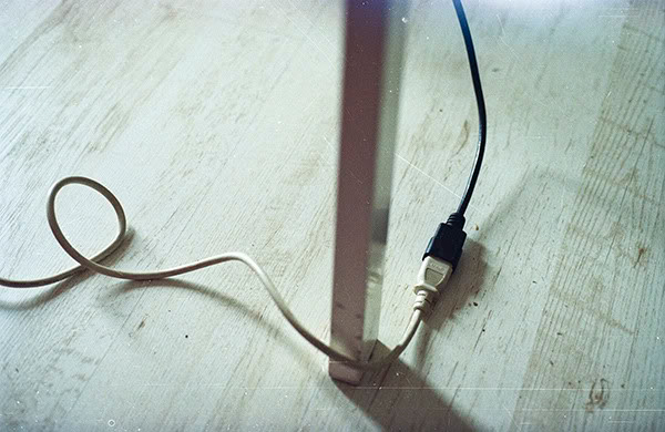 Kabel, cord, stół, table, szkoła, school