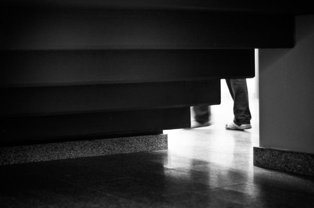 Schody; stairs; stopy; feet